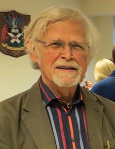 Dr Michael Henss